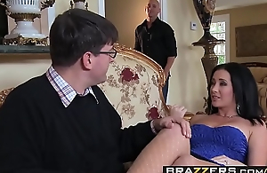 Slutty wife (Jayden Jaymes) Cheats on her husband less Johnny Sins - BRAZZERS