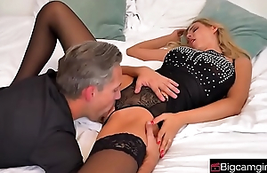 Boss Fucking Worker At Office&mdash_bigcamgirl.com