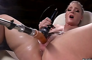 Hot ass flaxen-haired squirter copulates machine