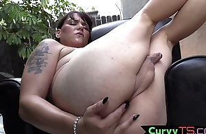 Thicc solo tranny masturbates outdoors