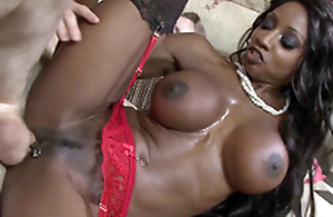 Ebony mom Diamond Jackson pretty Danny's big fat bushwa from the rear