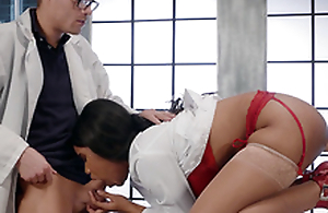 Dr. Jenna J Foxx engulfing Dr. Corvus while getting fucked by a be thrilled by machine