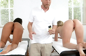 One chicks screwed by lucky masseuse