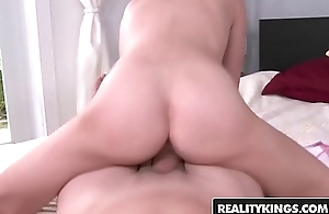 Young spinner (Dakota Skyes) first porn chapter - Reality Kings