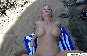 Jessica Jaymes gets screwed involving foreign lands involving the seashore by a well-known cock, big soul with the addition of big booty