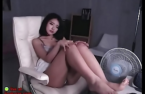 Stunning Korean shows her bj talent